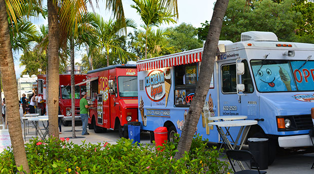 Attractions in Hollywood Beach - Monday night food trucks