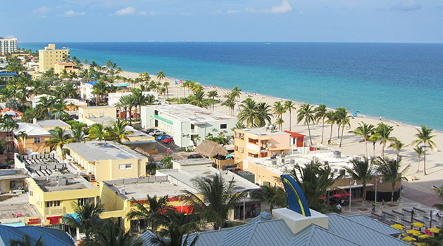 Attractions in Hollywood Beach - bird's eye view